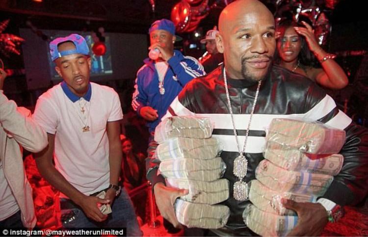 California to issue MMA fighter Conor McGregor a boxing license